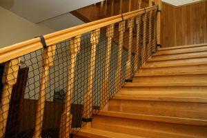 Siatka luzem – zabezpieczająca schody